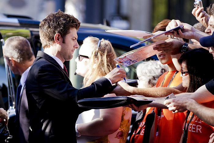 celebrity, Adam Scott, signing autographs